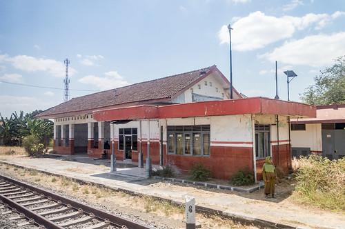 train railway station stasiun keretaapi kai keretaapiindonesia indonesia jawatengah centraljava building heritage architecture ketanggungan ketanggunganbarat brebes