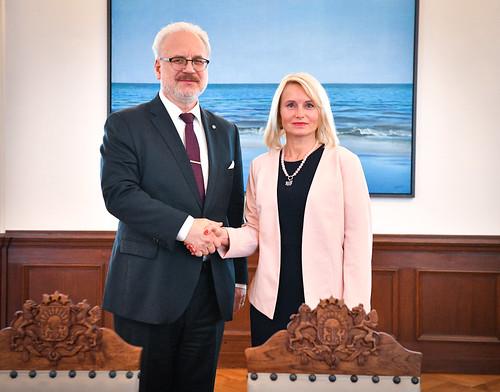 Valsts prezidenta Egila Levita tikšanās ar Latvijas Universitātes Juridiskās fakultātes dekāni asociēto profesori dr. iur. Anitu Rodiņu
