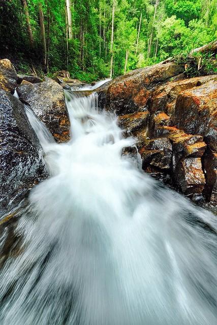 Lata Tembakah Waterfall