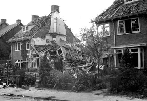 De panden aan de Karthuizerstraat 52-56 werden zwaar getroffen