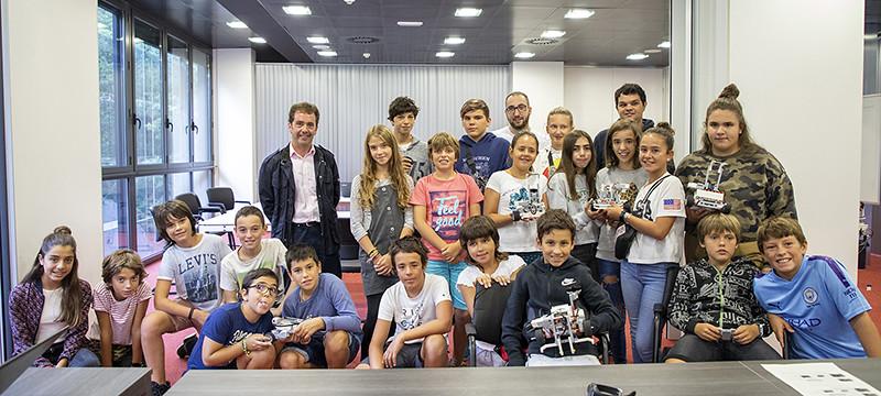 Foto grupal de los/as participantes de Gazterobotika 2019