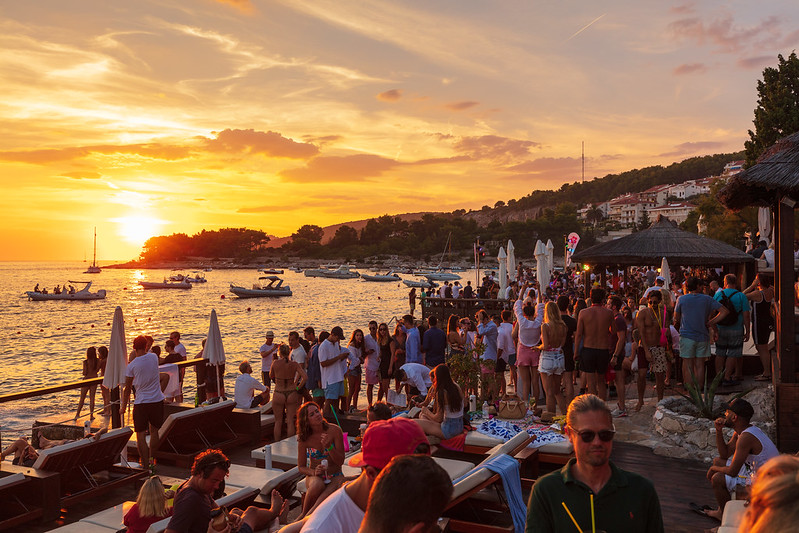 villaweek_2018_093_party_after_beach_hula_hvar