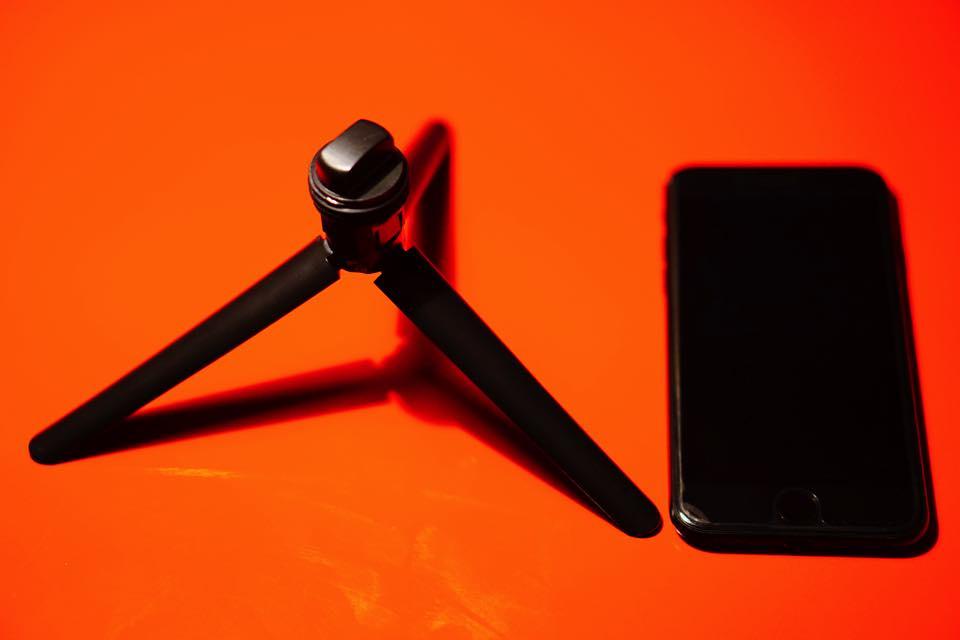 三脚とiPhoneの大きさ比較