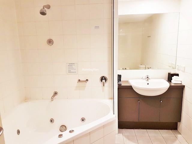 Mantra Southbank 03 - Bathroom