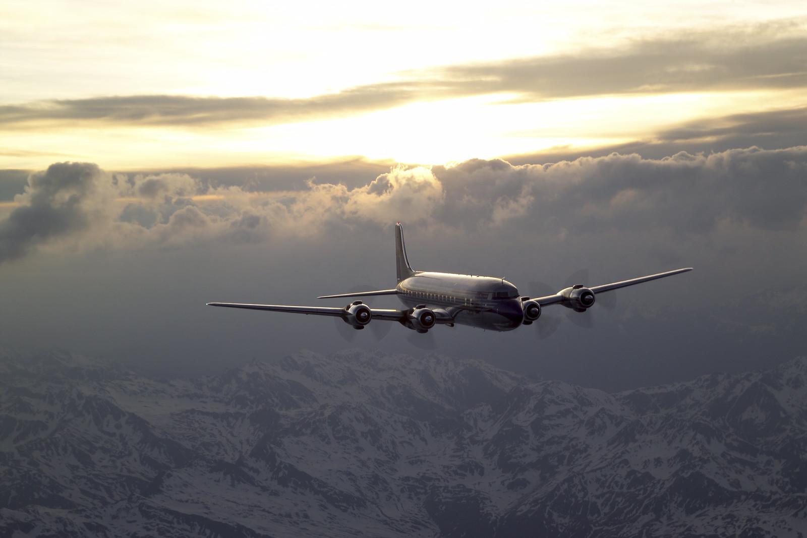 Pénteken kezdődik a repülőnapok, erre lehet számítani