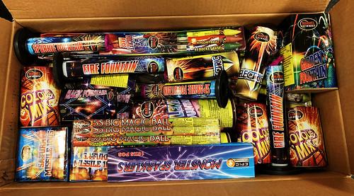 Epic Bonfire Bash Firework Selection Box