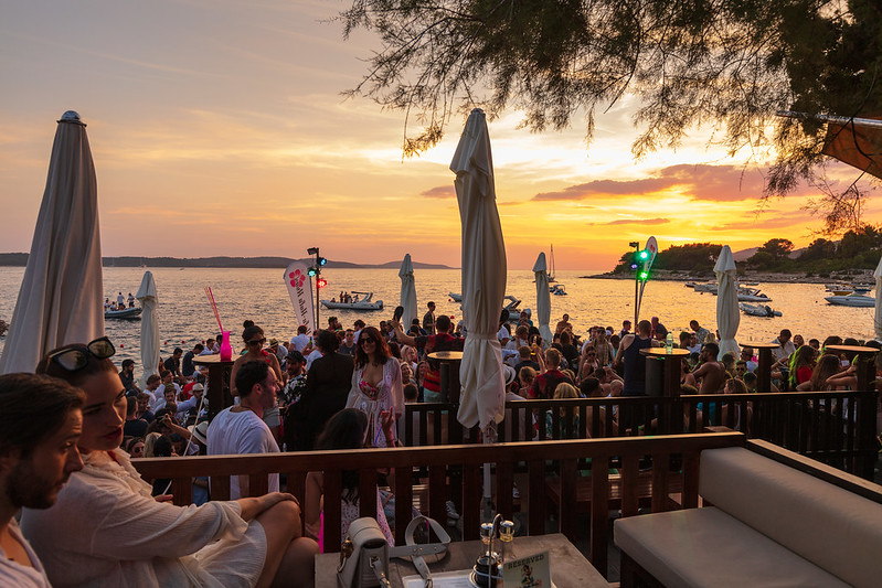villaweek_2018_108_party_after_beach_hula_hvar