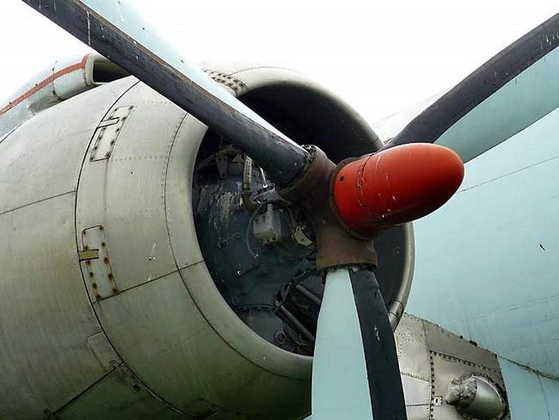 Canadair Argus CP-107 5