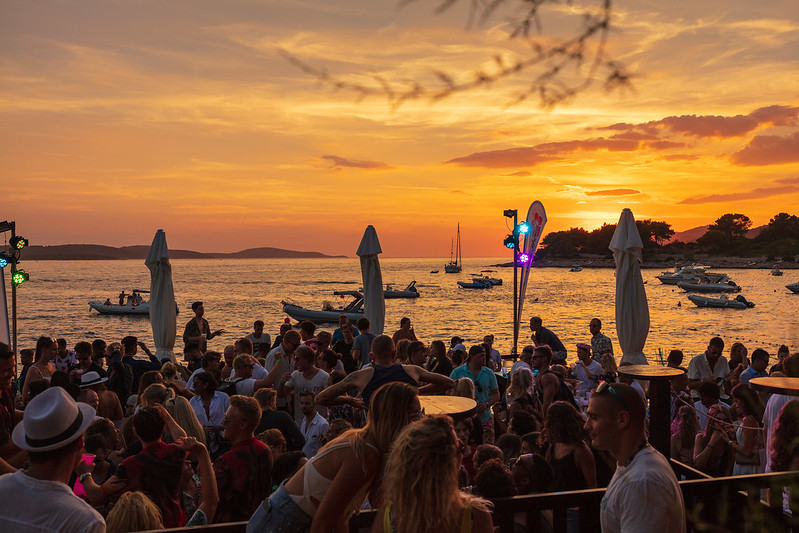 villaweek_2018_101_party_after_beach_hula_hvar