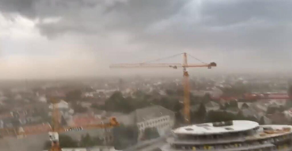 Így vészelte át a vihart egy szegedi toronydaru kezelője