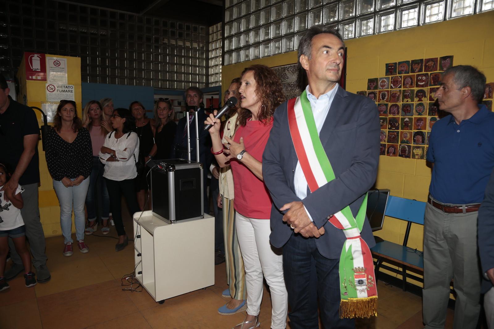 Taglio del nastro per la nuova struttura di viale Lazio