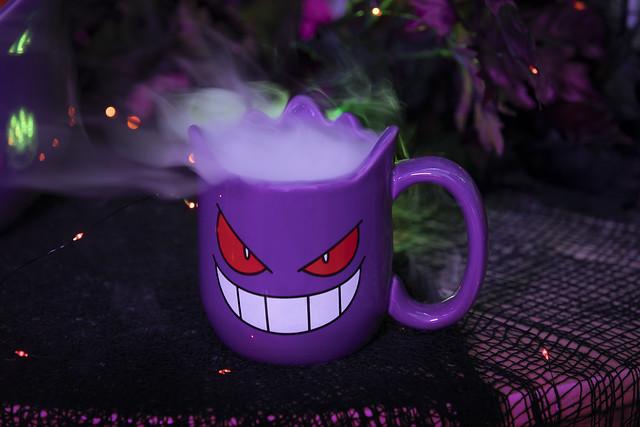 Pokémon Halloween Gengar Sculpted Mug_Lifestyle Image
