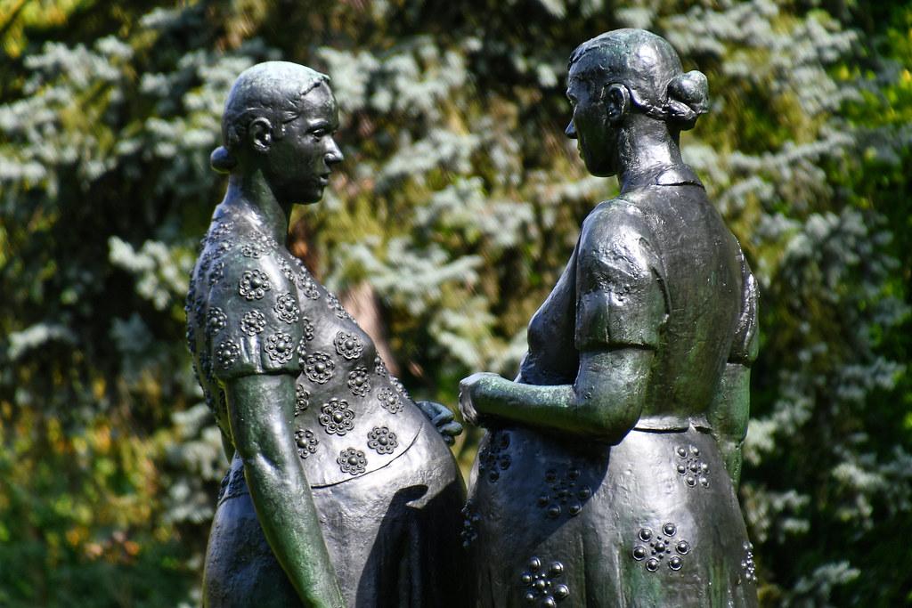 ANTWERP - Museum Middelheim - Charles Leplae - Two pregnant women(1134)