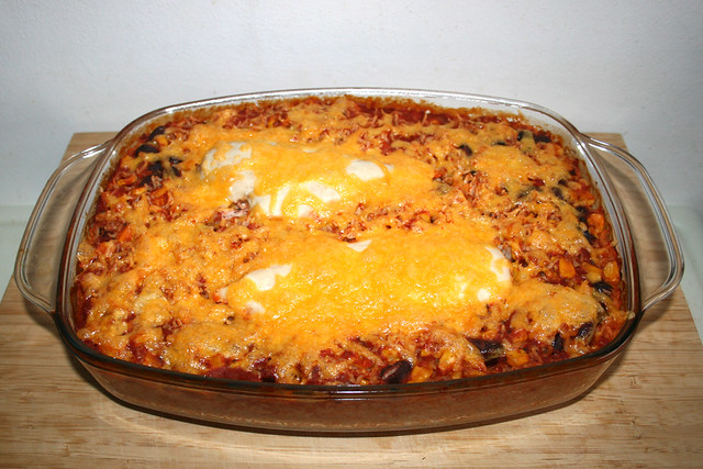 16 - Mexican chicken rice casserole - Finished baking / Mexikanischer Hähnchen-Reis-Auflauf - Fertig gebacken