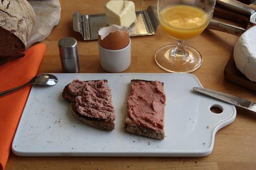 Grobe Leberwurst und Feine Leberwurst auf Majannabrot