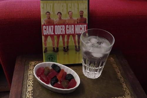 """Maynards Bassetts Wine Gums und Gin Tonic zum Film """"Ganz oder gar nicht"""""""