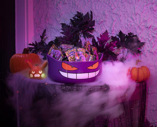 Pokémon Halloween Gengar Ceramic Treat Bowl_Lifestyle Image