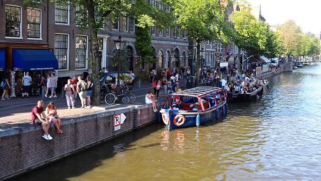 Oudezijds Voorburgwal / Amsterdam