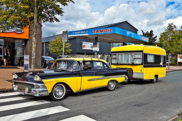 Ford Cusom 300 Sedan 1958 (9398)