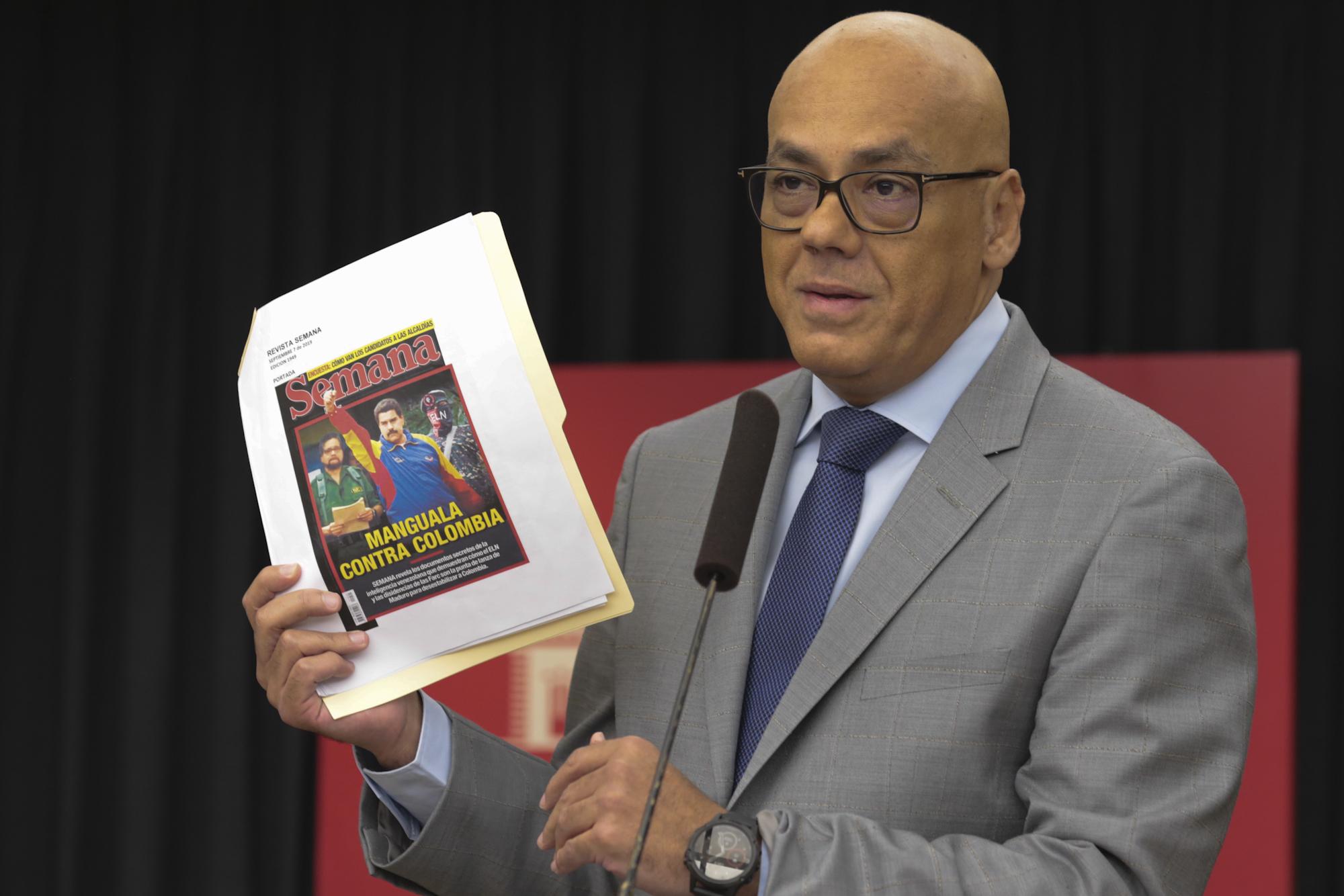 Ministro Jorge Rodríguez desmonta falsos positivos de la revista Semana de Colombia