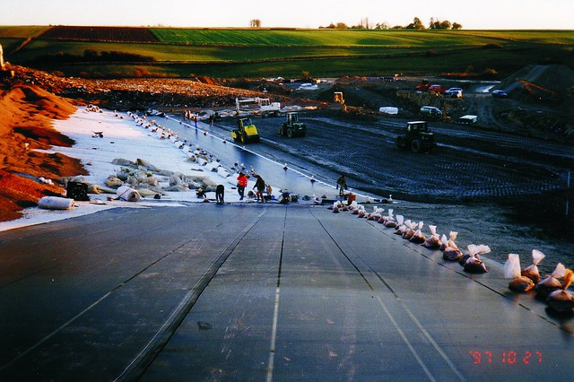 Geomembrane_installation
