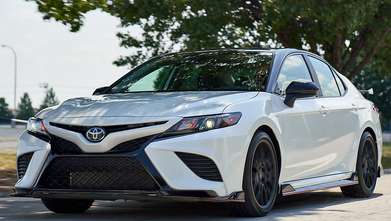 a90fce30-toyota-camry-and-avalon-trd-19