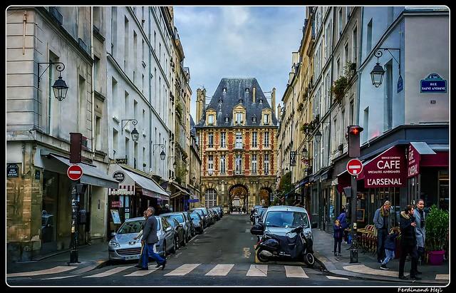 Paris_Rue Saint-Antoine_Rue de Birague_4e Arrondissement