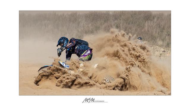 dust digging