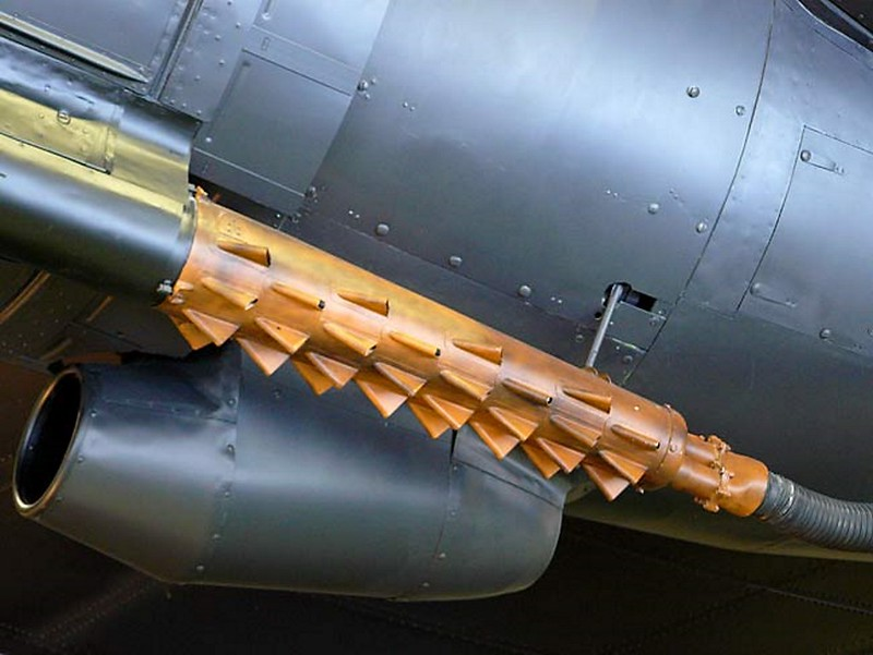 Handley Page Halifax Bomber 9