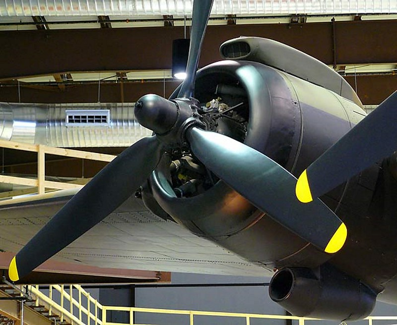 Handley Page Halifax Bomber 7