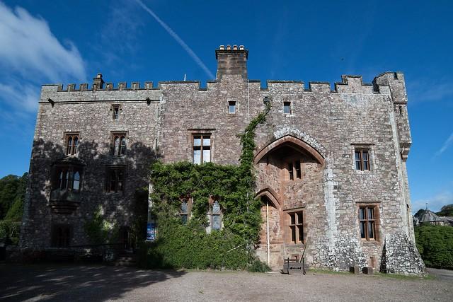 Krankenhaus Day 2: Muncaster Castle