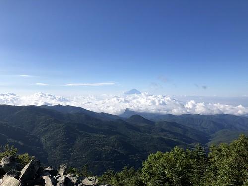 金峰山 登山道から望む富士山