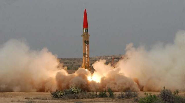 5327 We can fire nuclear missile to India first - DG ISPR Pakistan 3