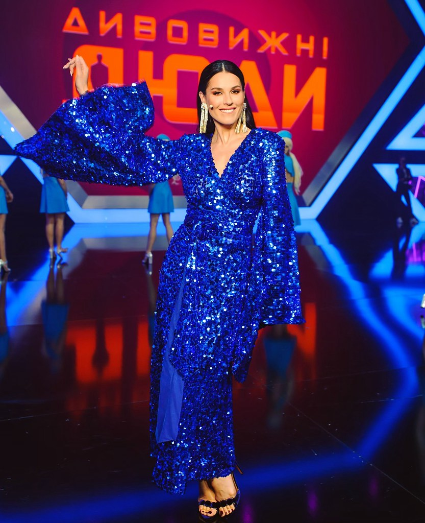 Маша Ефросинина в платье Dafna May