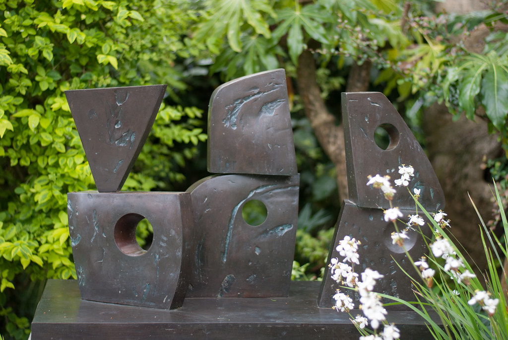 Barbara-Hepworth-Museum-St-Ives-Six-Forms-E-W-136-0204