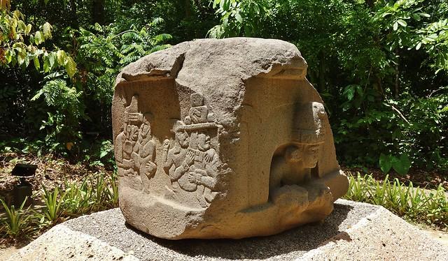 MEXICO,  Tabasco, Villahermosa- Parque-Museo de la Vento, Olmeken-Kultur, 19255/11930