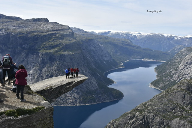 If you want to see what these guys did , look the second photo. Photo taken on the Trolltunga in Norway, Hordaland.  Sometimes you should be happy that you're only the photographer 😂😂😂😂😂