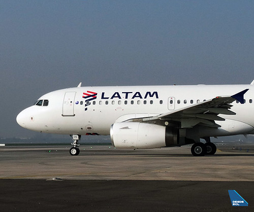 LATAM A319 CC-CPE front (RD)