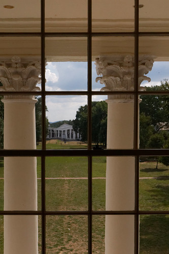 window building glass pane column lawn grass uva virginia charlottesville rotunda universityofvirginia classical thomasjefferson corinthian