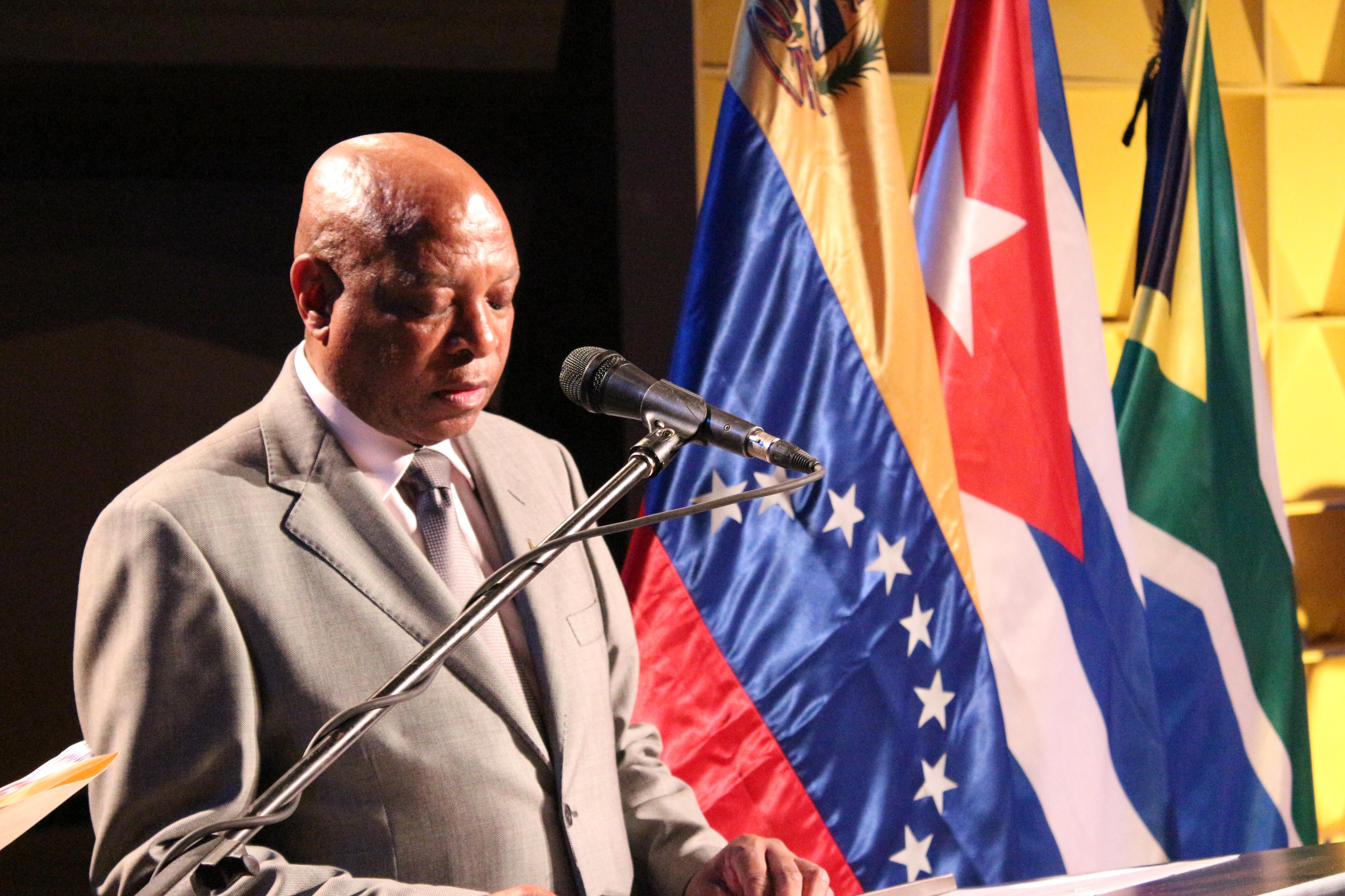 """""""La liberación de África"""" tributo a Fidel Castro y Nelson Mandela"""