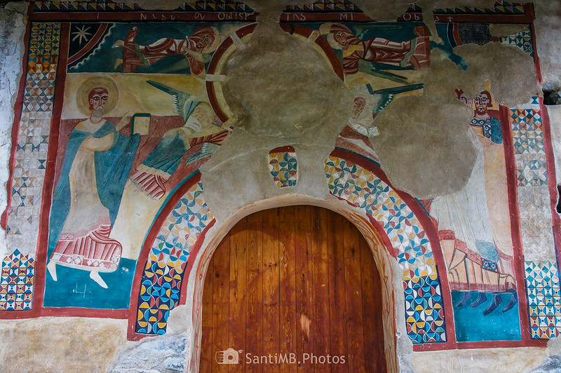 Pinturas murales románicas en la fachada de Sant Joan de Boí