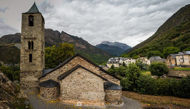 Sant Joan de Boí y parte del pueblo