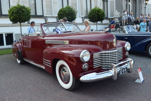 1941 Cadillac Series 62 De Luxe Convertible Coupe