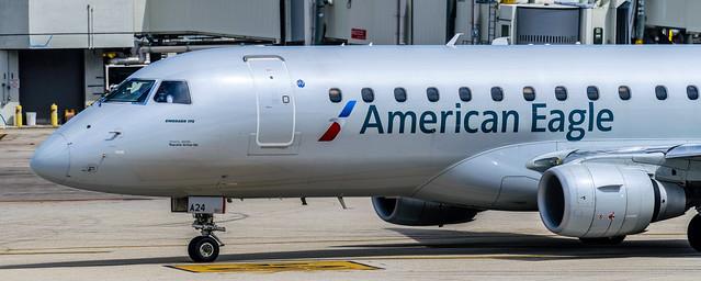 American E175 (MIA)