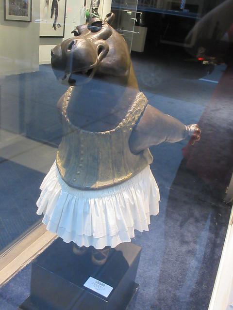 Hippo Ballerina Statue by Bjorn Bkholm Skaarup 0805