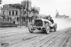 El Benz de HornerErle, Barcelona, 24-05-1914. Autor Josep Maria Co i de Triola
