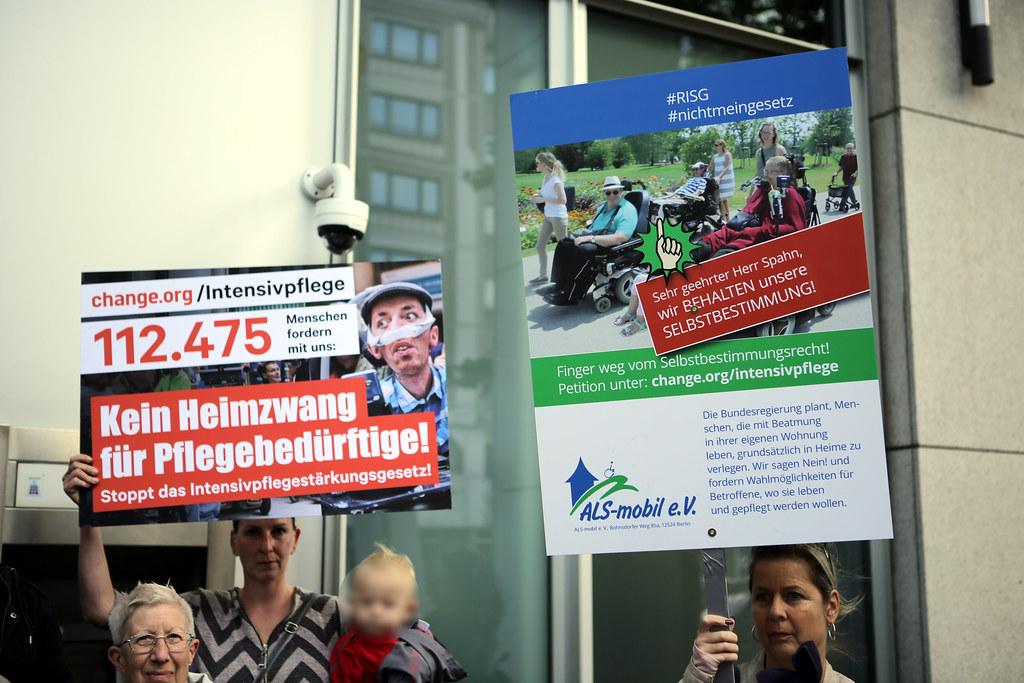 1. Demo FÜR den Erhalt des Selbstbstimmungsrecht in Berlin 10.09.19