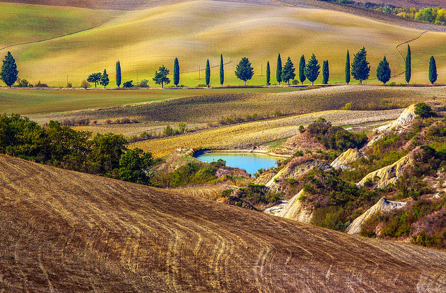 Explore Tuscany Autumn Scenery