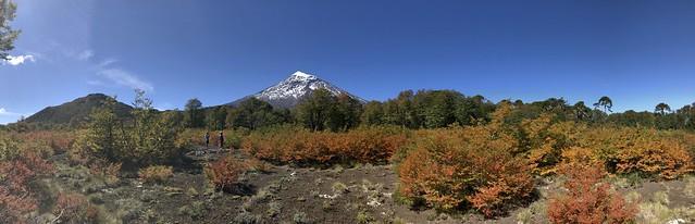 Volcán Lanín desde el Paso Paimún.