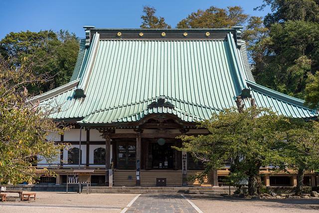 50mm 単焦点の鎌倉散歩 (3) : Sony FE 55mm F1.8 ZA 光明寺から和賀江嶋の碑まで